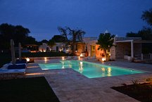 Ostuni Art Resort_Pool am Abend