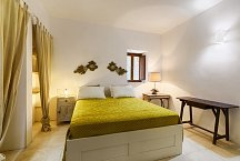 Torretta Lo Zingariello_one of two bedrooms