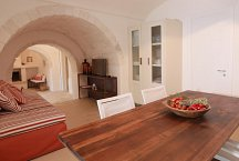 Trullo Silvano_kitchen dining living