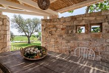 Trullo Tempesta_covered outside dining area