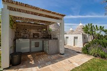 Trullo Tempesta_outside kitchen