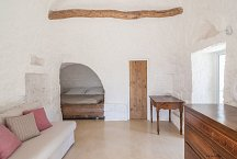 Trullo Tempesta_second double bedroom with sleeping couch