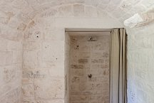 Trullo Tempesta_3rd bathroom with shower
