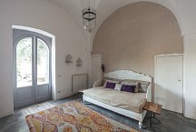 Masseria Marvicino_television room with sleeping sofa