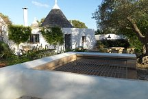 Trulli Bianchemura_outside kitchen with BBQ