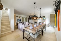 Trulli Matale_living room with dining table