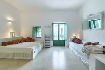 Cortile Del Sole_lounge or additional bedroom with fireplace