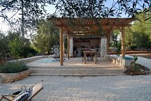 Trullo Elisa_outside kitchen and dining