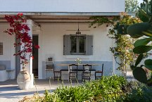 Masseria Marvicino_veranda with dining table