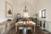 Masseria Marvicino_dining and kitchen