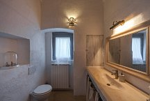 Masseria Marvicino_1 of 3 bathrooms