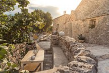 Trullo Termetrio_outside lounge
