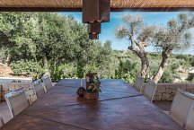 Trullo Silvano_with outside kitchen and dining